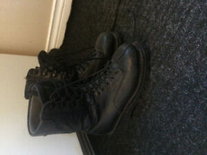 Size 6 black boots