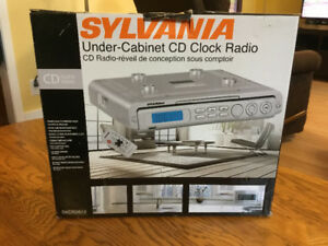 Sylvania Under-Cabinet CD Clock Radio