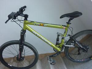 Vélo de montagne Rocky Mountain ETSX-10