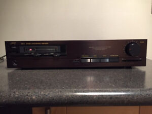 JVC Stereo Integrated Amplifier AX-11