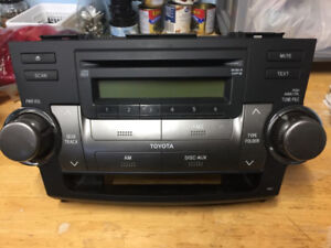 TOYOTA Highlander AM FM Radio Stereo MP3 aux CD Player