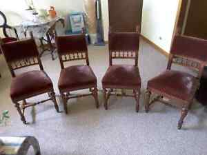 4 Antique chairs with lion heads