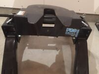 Reese pro series 15000 pound fifth wheel hitch