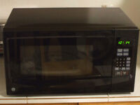 1 yr warranty--NEW GE 1100W 1.1 cf microwave oven--Grande Cache