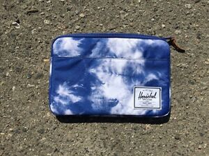 Herschel supply co. iPad case