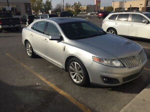 2011 Lincoln MKS Awd (ONLY 41,000KM)