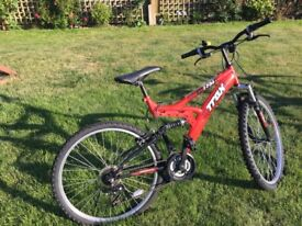 "Boys/Teenagers Trax bike 18"" frame, 26"" wheels, full suspension"