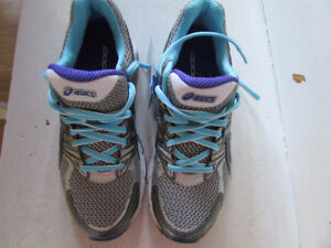 New in Box Womens Asics sneakers, size 6