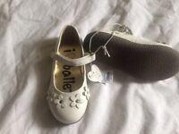 BNWT girls shoes