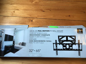 LED and LCD Full Motion TV Wall Mount - Brand New