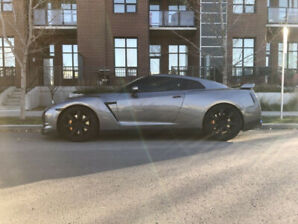 700HP Nissan GT-R ($50,000 in parts) 9000KM on Build