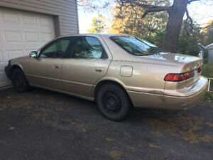 1999 Toyota Camry Gold $1200