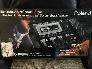 Roland GR55 Guitar Synthesizer with GK3 Pickup
