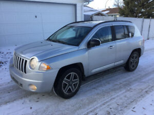 2009  JEEP COMPASS AWD 122,000 km reduced