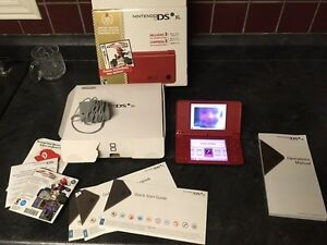 Nintendo DSi XL Super Mario Bros 25th Anniversary Ed.