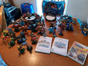 SKYLANDER FIGURES PLUS GAMES