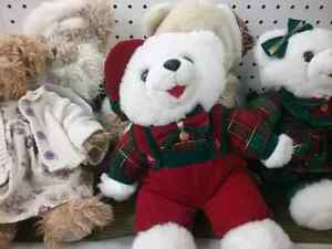 Christmas bears, wax melts, flame less candles & 600 booths  Cambridge Kitchener Area image 1