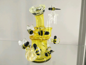 BEST BONGS, DABBERS, BOWLS. CARB CAPS, VAPES, JEWELRY, AND MORE!