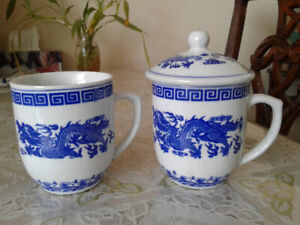 Vintage last 70's chinese blue and white porcelain dragon cups