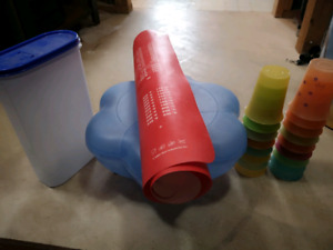 Tupperware lot