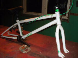 BMX FREE AGENT CHASSIS