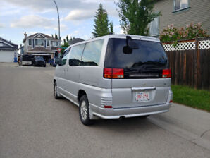 2000 Nissan Elgrand Great condition, very low mileage