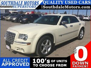 2010 CHRYSLER 300 C * AWD * LEATHER * SUNROOF * NAVIGATION * REA