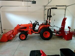 tractor/loader with attachments