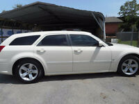2006 Dodge Magnum SxT Sedan - runs and drives GREAT