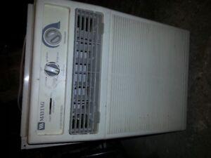 Maytag Window A/C  Air Conditioner 8000 Btu