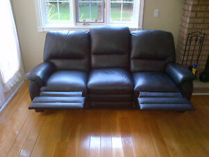 **FOR SALE | 3-Piece Leather Recliner Sofa Set ! London Ontario image 2