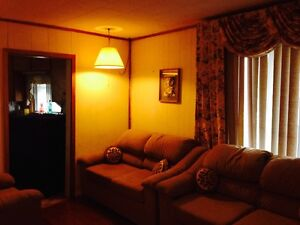 FURNISHED HOME IN COBOURG- IDEAL FOR CONTRACTORS Peterborough Peterborough Area image 1