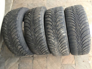 4 PNEUS HIVER / 4 WINTER TIRES 235/60/16 GOODYEAR WINTER GRIP IC