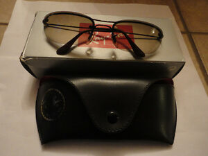 Like new in box Rayban sunglasses with case cleaning cloth London Ontario image 7
