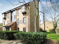 Studio flat in Wycherley Close, Blackheath SE3
