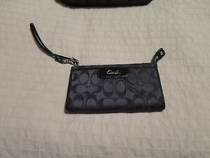 Coach purse and wallet West Island Greater Montréal image 2