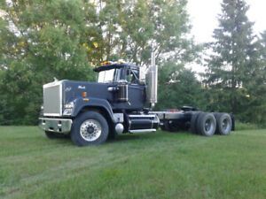 1990 MACK SUPERLINER RW713