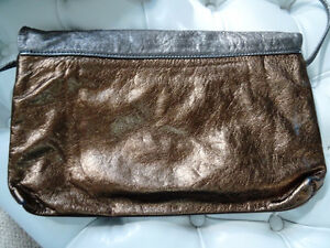DISCO DAYS are here again! vintage METALLIC LEATHER CLUTCH PURSE Cambridge Kitchener Area image 6