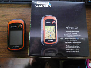 GARMIN GPS ETREX 20 HAND HELD GPS LIKE NEW.
