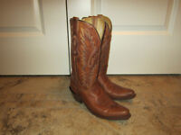 Ladies size 61/2 western boots