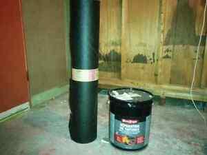 Papier d'asphalte et 5 gallons de pitch