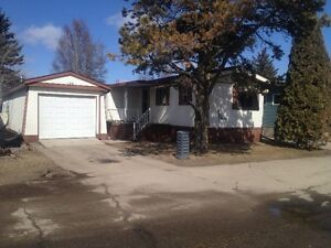 Mobile Home with 2 Car Garage in Westview Village
