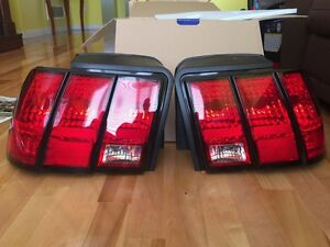 Ford Mustang 2003 tail lights
