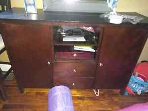 2 Dressers 2 End tables,2 mirrors and Buffet leather Warmer Peterborough Peterborough Area image 4