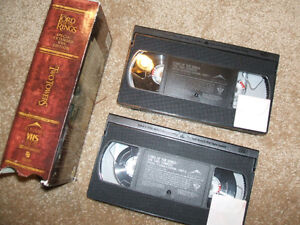 LORD OF THE RINGS, THE TWO TOWERS-VHS-SPECIAL EXTENDED EDITION London Ontario image 2