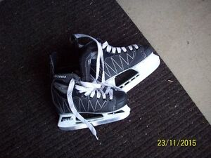 boys,childs, ccm intruder skates 13j