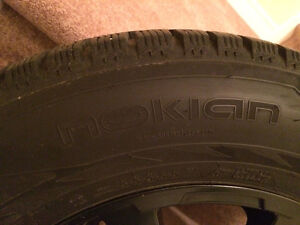 265 60 18 Nokian Hakkapeliitta R2 SUV XL - Durango - on Alloys London Ontario image 4