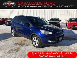 2014 Ford Escape SE 4WD with nav, backup cam, htd front seats!!
