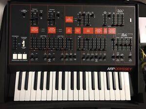 Korg Arp Odyssey Rev-3 (black and orange)
