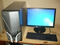 "Custom Intel, Quad Core 2.66 GHz Desktop, 19"" LCD, Wireless G"